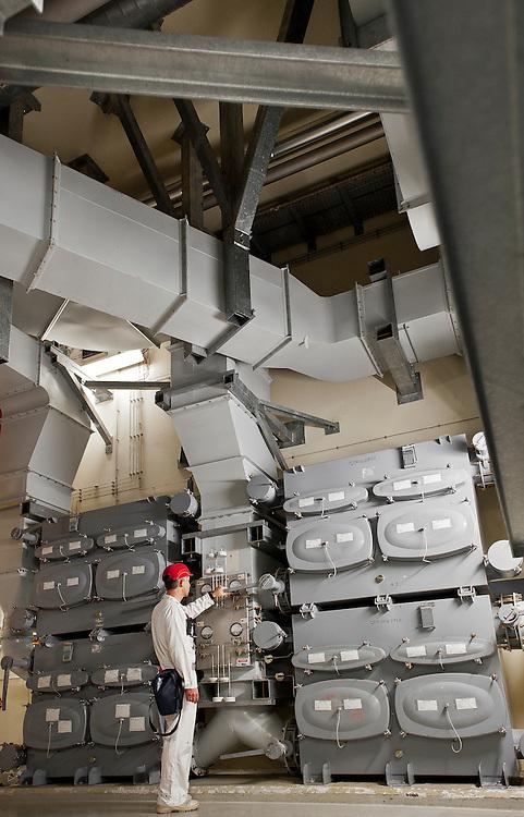 Dernier Niveau de Filtration (DNF) sur le site d'AREVA MELOX dans le Gard, France.<br /> Final Level of Filtration (DNF) of the AREVA MELOX facility in the Gard region of France.