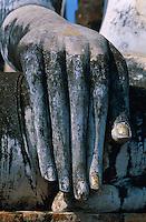 Thailande. Sukhothai province. Sukhotai.  Main de Bouddha. // Thailand. Sukhotai. Hand of Bouddha.