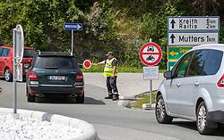 THEMENBILD - Wochenends gelten auf mehreren Landesstraßen bzw. dem niederrangigen Straßennetz Fahrverbote in Tirol. Dies ist eine Maßnahme seitens der Tiroler Landesregierung, um dem massiven Ausweichverkehr bei Stausituationen auf der Autobahn entgegenzuwirken. Unmittelbar nach den Autobahnabfahrten werden KFZ-LenkerInnen von 7 bis 19 Uhr, sofern sie nicht dem Ziel-, Quell und Anrainerverkehr zugerechnet werden können, keine Möglichkeit haben, örtliche Stauumfahrungen vorzunehmen. Hier im Bild Zufahrtskontrolle nach Mutters bei Innsbruck. Innsbruck am Samstag 27. Juli 2019 // At the weekend, driving bans in Tyrol are valid on several provincial roads and the low-ranking road network. This is a measure on the part of the Tyrolean provincial government to counteract the massive alternative traffic in congestion situations on the highway. Immediately after the motorway exits, drivers from 7 am to 7 pm, unless they can be attributed to the destination, source and adjacent traffic, will not be able to make local congestion detours. Here in the picture Access Control to Mutters near Innsbruck. Innsbruck, Austria on Saturday 27th July 2019. EXPA Pictures © 2019, PhotoCredit: EXPA/ Johann Groder