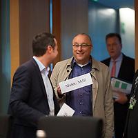 DEU, Deutschland, Germany, Berlin, 05.11.2018: Jens Maier (MdB, Alternative für Deutschland, AfD) vor Beginn einer Sitzung des Innenausschusses im Deutschen Bundestag.
