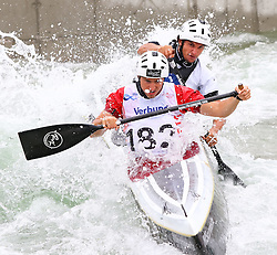 27.06.2015, Verbund Wasserarena, Wien, AUT, ICF, Kanu Wildwasser Weltmeisterschaft 2015, C2 men, im Bild v.l. Manuel Filzwieser, Peter Draxl (AUT) // during the final run in the men's C2 class of the ICF Wildwater Canoeing Sprint World Championships at the Verbund Wasserarena in Wien, Austria on 2015/06/27. EXPA Pictures © 2014, PhotoCredit: EXPA/ Sebastian Pucher