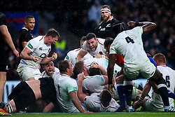 England celebrate Dylan Hartley scoring a try - Mandatory by-line: Robbie Stephenson/JMP - 10/11/2018 - RUGBY - Twickenham Stadium - London, England - England v New Zealand - Quilter Internationals