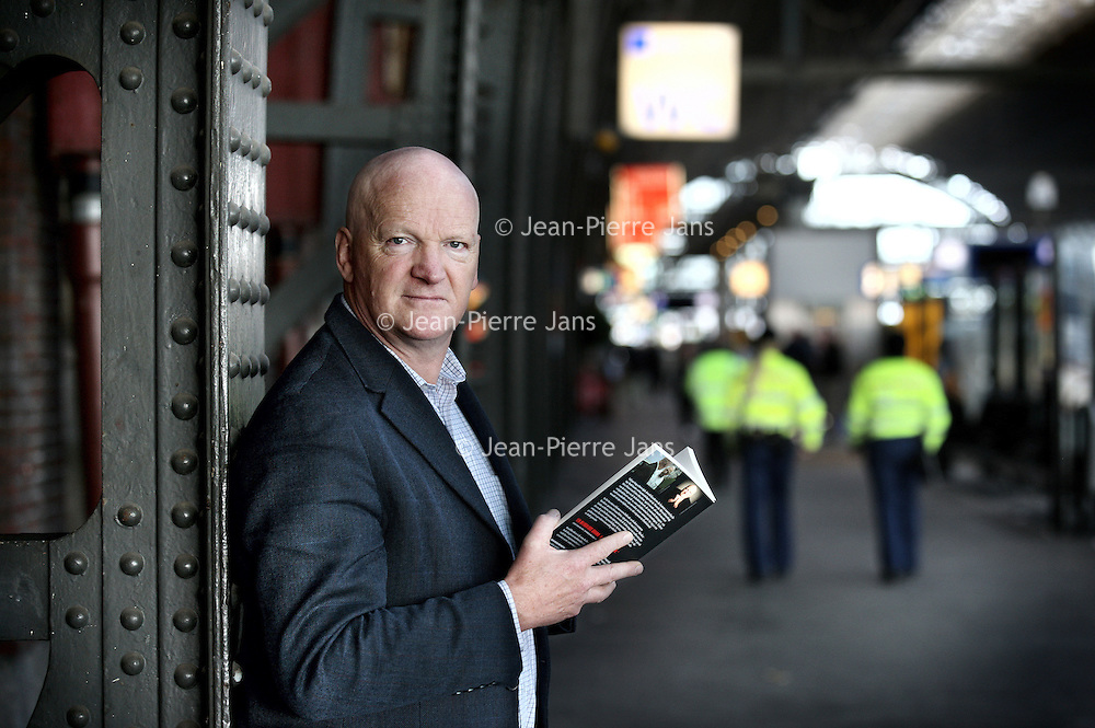 Nederland, Amsterdam, 25 oktober 2012..Arnold Karkens is een Nederlands oorlogsverslaggever en onderzoeksjournalist..Foto:Jean-Pierre Jans