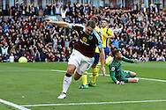 Sam Vokes of Burnley celebrates after scoring his teams 1st goal. Premier League match, Burnley v Everton at Turf Moor in Burnley , Lancs on Saturday 22nd October 2016.<br /> pic by Chris Stading, Andrew Orchard sports photography.
