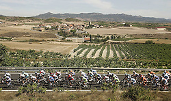 29.08.2011, Andalusien, ESP, LA VUELTA 2011, Stage 17, im Bild The group during the stage of La Vuelta 2011 between Faustino V and Pena Cabarga.September 7,2011. EXPA Pictures © 2011, PhotoCredit: EXPA/ Alterphoto/ Paola Otero +++++ ATTENTION - OUT OF SPAIN/(ESP) +++++