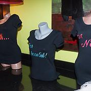 NLD/Gilze/20131130 - Roy Donders presenteert huispakkenlijn, T shirts van Roy Donders