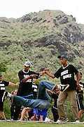 Belo Horizonte_MG, Brasil..Alunos da Escola Municipal Mestre Ataide dancando street dance no Parque das Mangabeiras, no fundo a Serra do Curral...Students of the Mestre Ataide  Municipal School dancing street dance in the Mangabeiras Park, Serra do Curral in the background...FOTO: LEO DRUMOND / NITRO