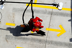 April 15, 2018 - Shanghai, China - Shanghai: Motorsports: Formula 1 2018 Heineken Chinese Grand Prix.Chinese Formula One Grand Prix Shanghai Circuit in Shanghai, China. Mechanic wlaking on pitstop lane  (Credit Image: © Hoch Zwei via ZUMA Wire)