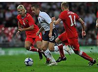 Photo: Tony Oudot/Richard Lane Photography.  England v Czech Republic. International match. 20/08/2008. <br /> Joe Cole of England beats Jan Rajnoch and David Jarolim of Czech Republic