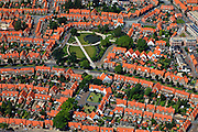 Nederland, Overijssel, Enschede, 30-06-2011; tuindorp Pathmos, arbeidersbuurt, met Thomas Ainsworthpark..Garden village and working class area Pathmos in Enschede (east in the Netherlands). luchtfoto (toeslag), aerial photo (additional fee required).copyright foto/photo Siebe Swart