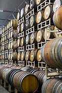 Inne i The Blending House hos Cascade Brewing är luften sval och fuktig. I taket finns ett sprinklersystem som väter öltunnorna. <br /> Portland, Oregon, USA<br /> Foto: Christina Sjögren