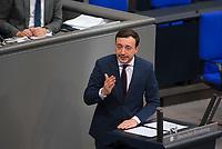 DEU, Deutschland, Germany, Berlin, 29.11.2018: Paul Ziemiak, Chef der Jungen Union (JU), bei einer Rede während der Debatte zum UN-Migrationspakt bei der Plenarsitzung im Deutschen Bundestag.