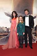 Galapremiere van Publieke Werken in het concertgebouw, Amsterdam.<br /> <br /> Op de foto:  Rifka Lodeizen met partner Caspar Weijers en hun dochter Pilar Lodeizen