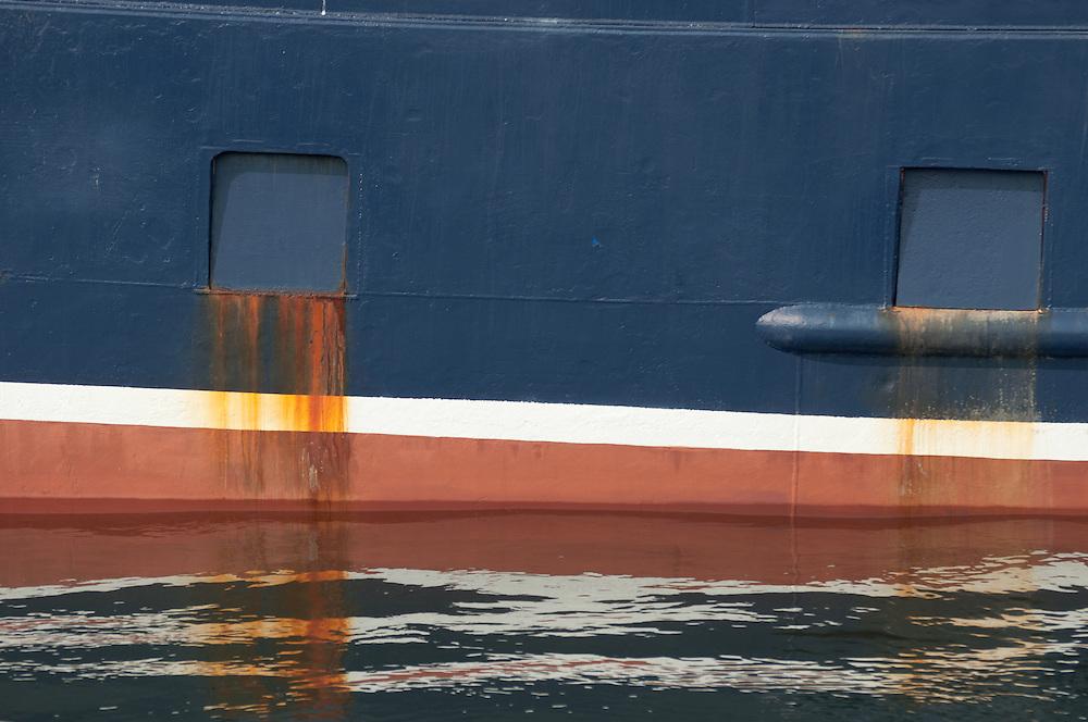 A boat in the Ballard Locks, Seattle, Washington.  Photo by William Byrne Drumm.