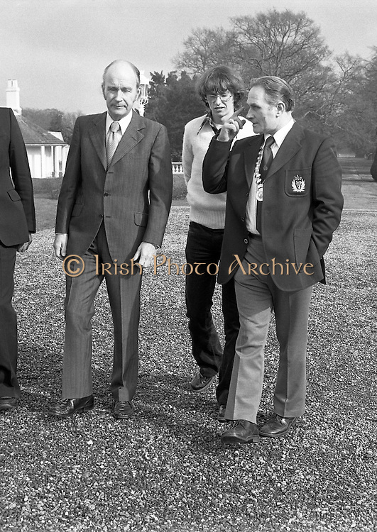 31/03/1978.03/31/1978.31st March 1978  John Treacy meets the President..Photograph of President Hillery, (left) John Treacy, (centre), and Bill Coghlan, President B.L.E., (right) walking in the grounds of Aras an Uachtarain.