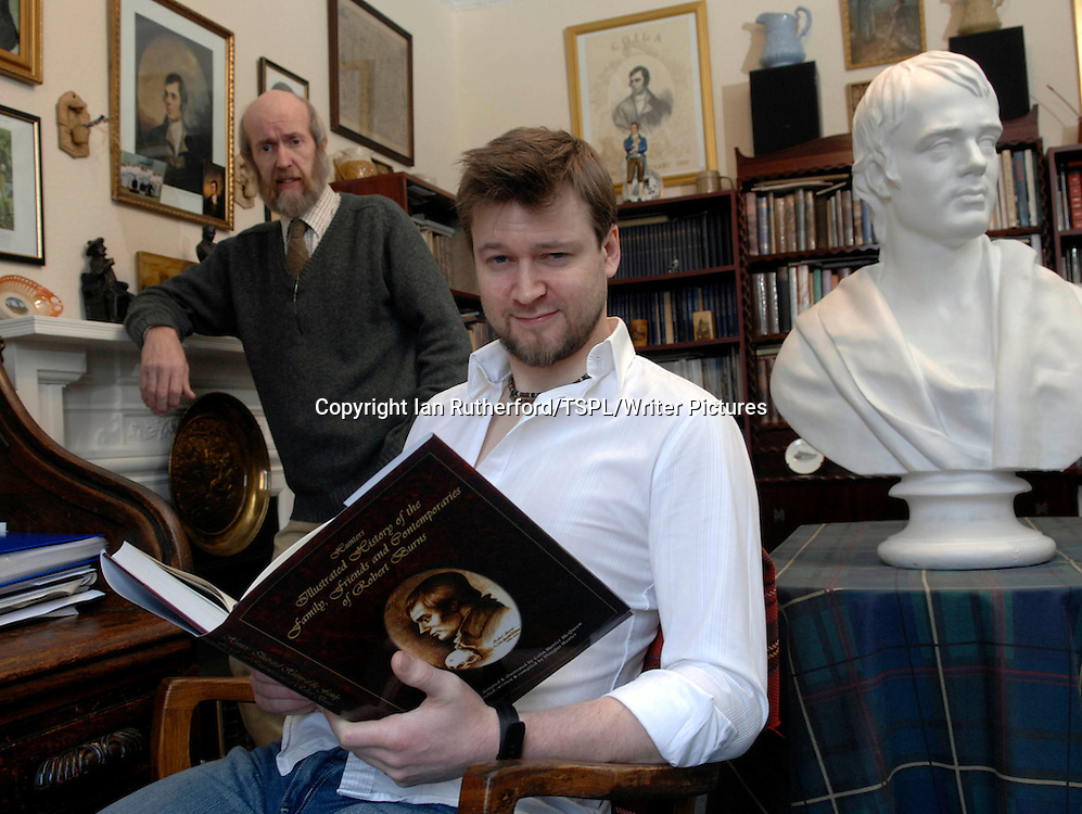 Colin Hunter McQueen & his son Douglas Hunter at their home in Glasgow. <br /> 21/01/09<br /> <br /> Photograph by Ian Rutherford/TSPL/Writer Pictures<br /> <br /> <br /> WORLD RIGHTS