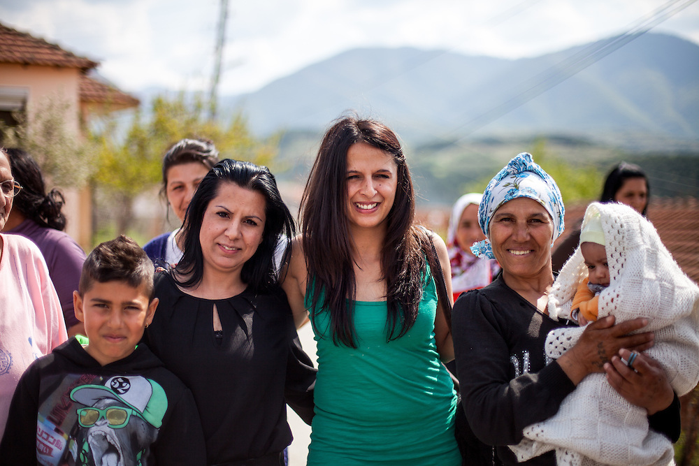 Romina Kajtazova - working as a paralegal for NGO Kham - with members of the local Roma community during the European Immunization Week in the city of Vinica in Macedonia.