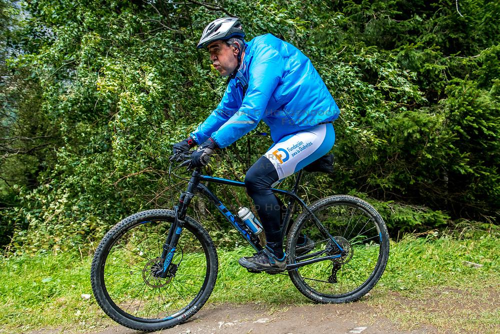 13-09-2017 SUI: BvdGF Tour du Mont Blanc day 5, Champex<br /> Deze etappe wordt volledig in Zwitserland verreden en bevat enkele mooie trails. We eindigen bergop waar er in Champex werd overnacht. Marcos