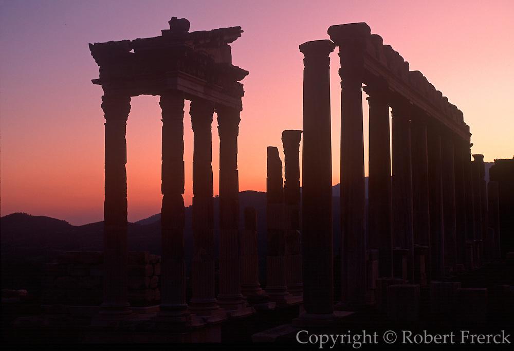 TURKEY, ROMAN CULTURE PERGAMUM (now Bergama); an ancient Hellenistic Kingdom became Roman in 133BC, Temple of Trajan c.117AD