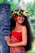 Polynesian woman with tiki, Tahiti Frech Polynesia, model released