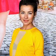 """NLD/Amsterdam/20150515 - Castpresentatie nieuwe film van Johan Nijenhuis  """"Rokjesdag"""", Birgit Schuurman"""