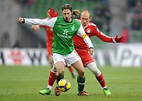 v.l. Torsten Frings , Arjen Robben Muenchen<br /> Bundesliga SV Werder Bremen - FC Bayern München<br /> <br /> Norway only