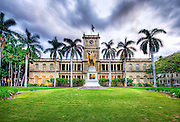 The King Kamehameha Statue in front of the Ali'iolani Hale.