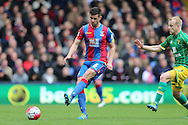 Scott Dann of Crystal Palace in action. Barclays Premier League match, Crystal Palace v Norwich city at Selhurst Park in London on Saturday 9th April 2016. pic by John Patrick Fletcher, Andrew Orchard sports photography.