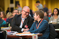 DEU, Deutschland, Germany, Berlin, 17.11.2018: Jan Stöß, ehem. SPD-Landesvorsitzender, und der Juso-Bundesvorsitzende Kevin Kühnert beim Landesparteitag der Berliner SPD im Hotel Maritim.
