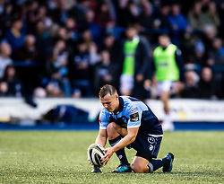Jarrod Evans of Cardiff Blues lines up a kick at goal<br /> <br /> Photographer Simon King/Replay Images<br /> <br /> Guinness PRO14 Round 2 - Cardiff Blues v Edinburgh - Saturday 5th October 2019 -Cardiff Arms Park - Cardiff<br /> <br /> World Copyright © Replay Images . All rights reserved. info@replayimages.co.uk - http://replayimages.co.uk