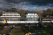 Molesey, Surrey. Molesey Dark Skies and Bright sunshine at the Veterans Head. Saturday  21/02/2015  [Mandatory Credit; Peter Spurrier/Intersport-images]