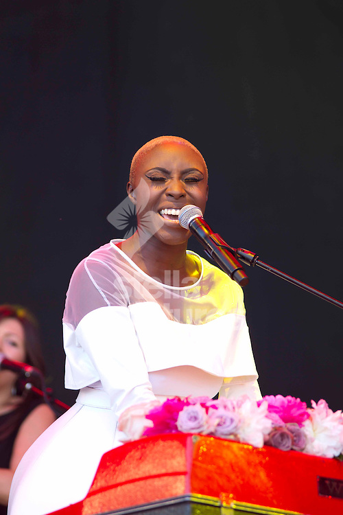 Picture by Sophie Elbourn/Stella Pictures Ltd +447595 944177<br /> 29/06/2013<br /> Laura Mvula performs during day three of Glastonbury Festival at Worthy Farm, Pilton.