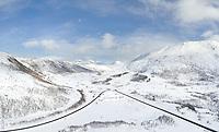 Luftfoto som viser Lofastkrysset i Gullesfjord vinterstid.