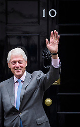 © Licensed to London News Pictures. 19/10/2017. London, UK. Former president of the United States of America, BILL CLINTON leaves 10 Downing Street in London following a meeting with British prime minister THERESA MAY. The pair were due to discuss the current political deadlock in Northern Ireland in an attempt to restore the power-sharing executive. Photo credit: Ben Cawthra/LNP