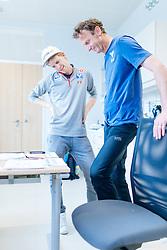 02.05.2016, Bezirkskrankenhaus, St. Johann i.T., AUT, OeSV, Skisprung, Sportmedizinische Untersuchung, im Bild v.l.: Michael Hayböck (AUT) und Cheftrainer Heinz Kuttin (AUT) // f.l.: Michael Hayboeck of Austria and Headcoach Heinz Kuttin of Austria during the medical examination of the Austrian Skijumping Team at the Sports Medicine Institute, St. Johann i.T. on 2016/05/02. EXPA Pictures © 2016, PhotoCredit: EXPA/ JFK