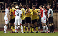 Fotball<br /> Champions League 2004/05<br /> Monaco v Liverpool<br /> 23. november 2004<br /> Foto: Digitalsport<br /> NORWAY ONLY<br /> Tempers flare as Liverpool's frustrations, without an established front line, builds to boiling point
