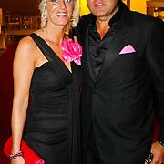 NLD/Tilburg/20101010 - Inloop musical Legally Blonde, John van den Heuvel en partner Mariette van Schie