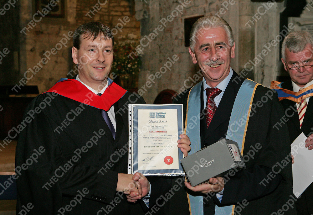 06/11/06<br />Richard McMahon from Newmarket on Fergus, Co. Clare who received the BTEC student of the year award from Stephen Sheehan of Griffith College at the Griffith College Limerick, formerly MWBI graduations at St.Mary's Cathederal, Limerick on Wednesday evening.<br />Pic: Don Moloney / Press 22