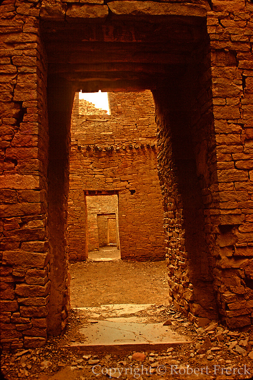 NATIVE AMERICANS, HISTORIC Anasazi; Pueblo Bonito, Chaco Canyon