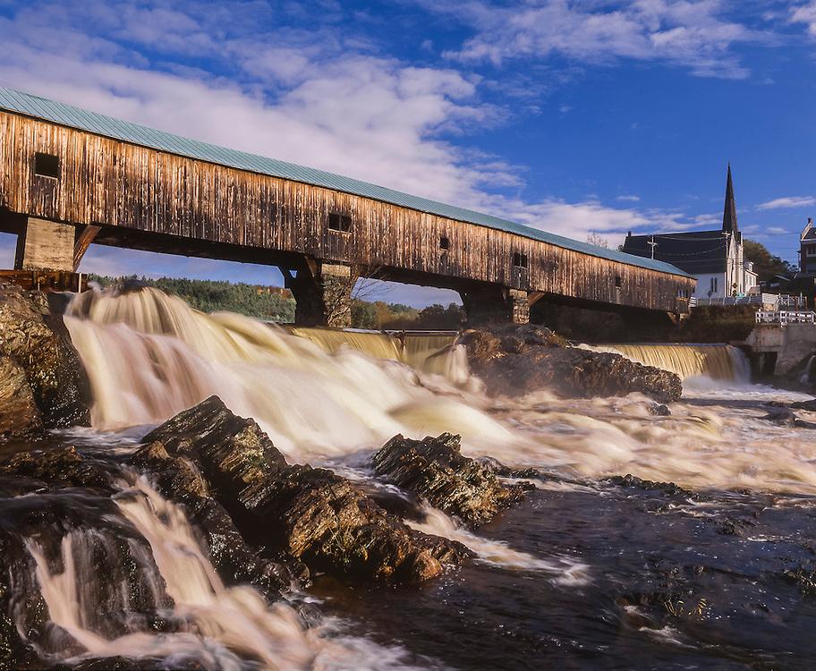 Bath Covered Bridge, Ammonoosuc River rapids over rocks, Bath, NH