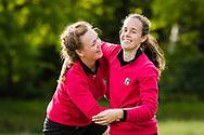 17-05-2015 NGF Competitie 2015, Hoofdklasse Heren - Dames Standaard - Finale, Golfsocieteit De Lage Vuursche, Den Dolder, Nederland. 17 mei. Dames Noordwijkse: Noelle Beijer, Myrte Eikenaar , feesten na de overwinning.