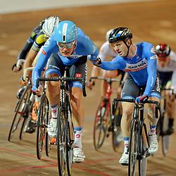 Yuri Havik en Dylan van Baarle winnen de koppelkoers