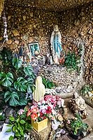 Gruta Nossa Senhora de Lourdes. São Miguel do Oeste, Santa Catarina, Brasil. / <br /> Sanctuary to Our Lady of Lourdes. São Miguel do Oeste, Santa Catarina, Brazil.