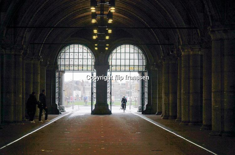 Nederland, Amsterdam, 29-10-2020  De traverse onder het Rijksmuseum gezien richting museumplein .Foto: ANP/ Hollandse Hoogte/ Flip Franssen