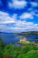 Eilean Donan Castle, Dornie, Scottish Highlands, Scotland