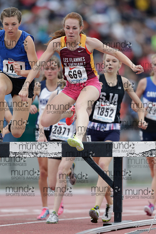 Renee Maisonneuve of ESC Theriault - Timmins competes at the 2013 OFSAA Track and Field Championship in Oshawa Ontario, Friday,  June 7, 2013.<br /> Mundo Sport Images/ Geoff Robins