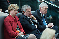 22 OCT 2013, BERLIN/GERMANY:<br /> Klaus Dauderstaedt (M), Bundesvorsitzender Deutscher Beamtenbund, dbb, und Michael Sommer (R), Bundesvorsitzender Deutscher Gewerkschaftsbundm DGB, waehrend der Konstituierenden Sitzung des 18. Deutschen Bundestages, Plenum, Deutscher Bundestag<br /> IMAGE: 20131022-01-042<br /> KEYWORDS: Klaus Dauderstädt
