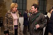 Tim Stonor and Edith Riejnja. Rijksakademie exhibition, Victoria Miro Gallery, London. 11 January 2003. © Copyright Photograph by Dafydd Jones 66 Stockwell Park Rd. London SW9 0DA Tel 020 7733 0108 www.dafjones.com