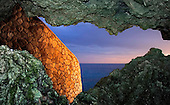 NEGRIL - THE CAVES