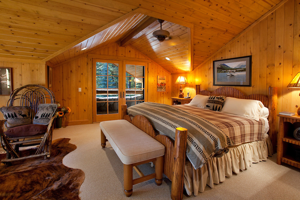 Mazama Washington river front property  located in the  Methow Valley.